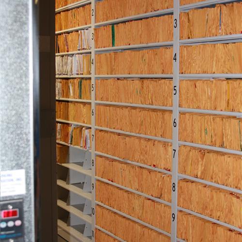 Organized long-term evidence storage on high-density mobile sehlving