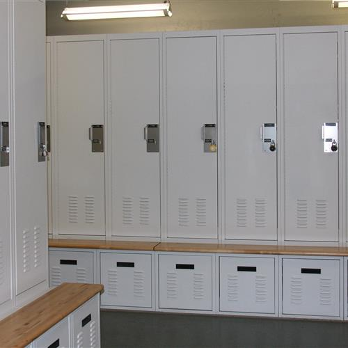 Personal storage locker system with benches at Omaha Police Department