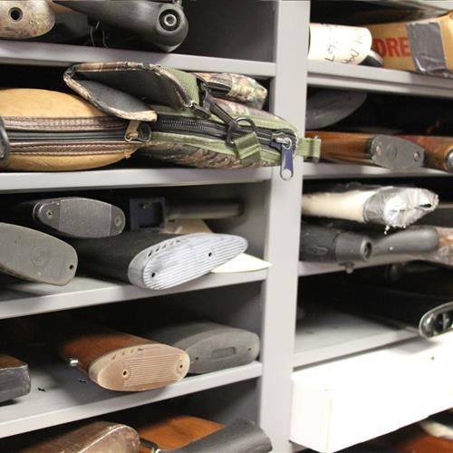 Shotgun weapon storage on static shelving