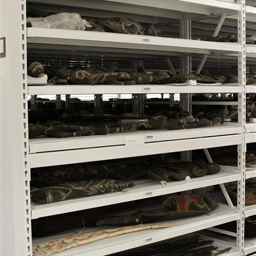 Artifacts storage on High-density wide span shelving units