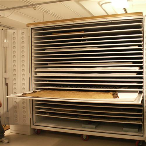 Anthropology custom cabinet model 395 at Chicago Field Museum using textile trays