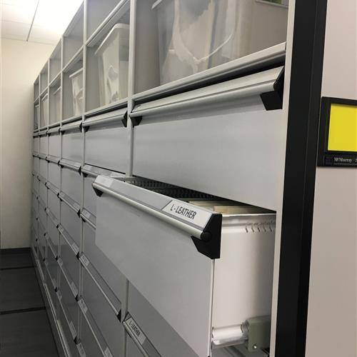 Customized Drawers on a High Density Mobile System an Automotive research and design center