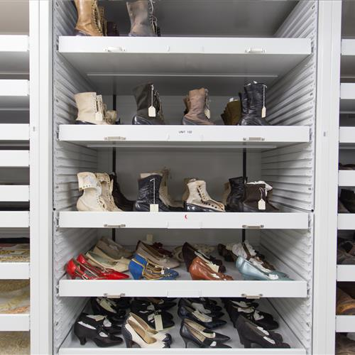 Shoe collection preservation on pull out trays
