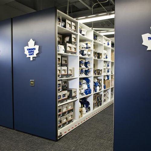 Etonnant Hockey Equipment Storage For Toronto Maple Leafs