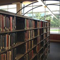 University of Nebraska Omaha Library book shelves with Lighting